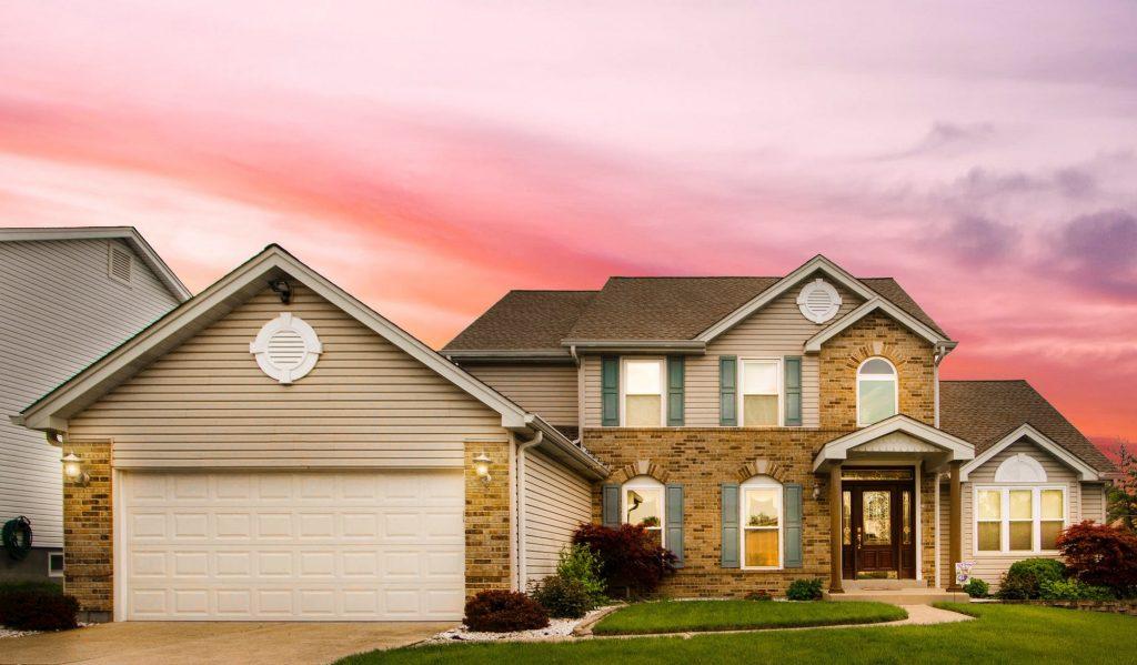 Un amendement de la loi PACTE met fin à la domiciliation bancaire obligatoire des salaires pour les ménages souhaitant obtenir un prêt immobilier dès juin.