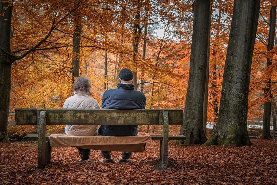 Pour équilibrer le déficit des retraites d'ici 2025, le rapport du COR préconise des mesures concernant l'âge de la retraite ou la durée de cotisation